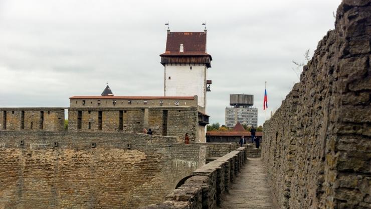 Замок Германа совсем рядом