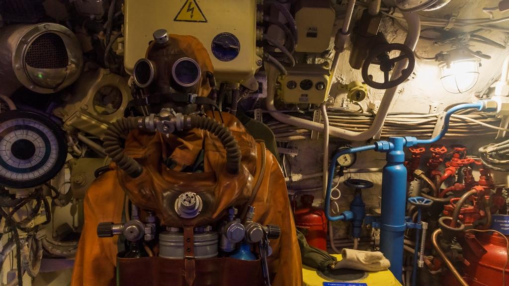 Внутри подводной лодки 8
