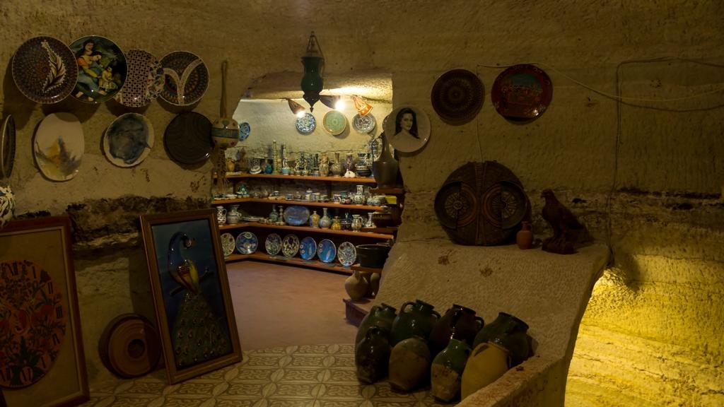 В музее керамики в Аваносе 4