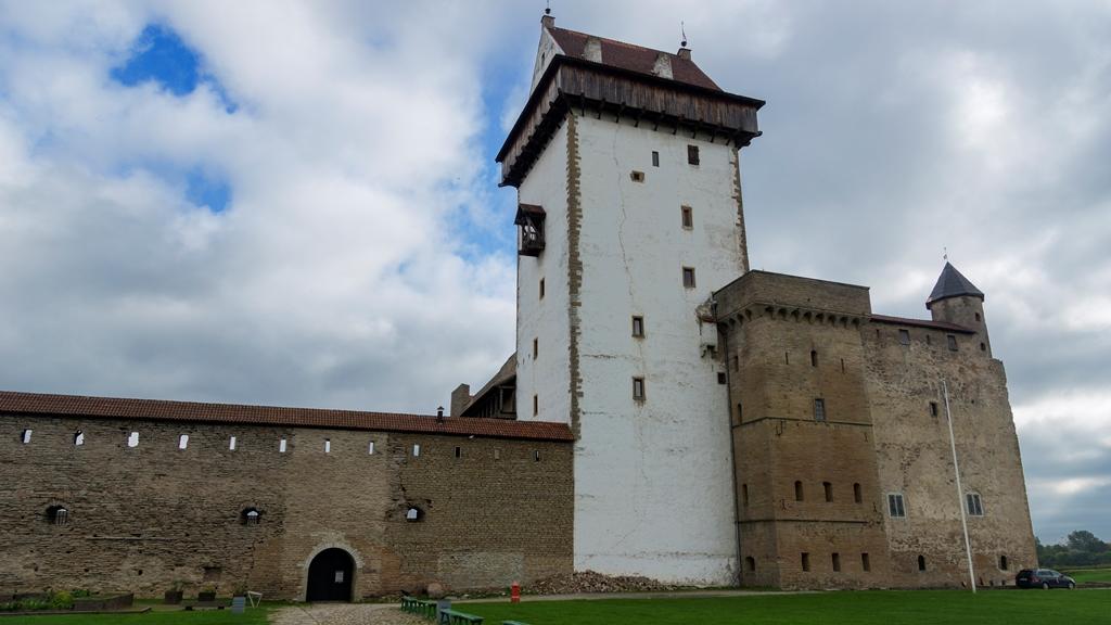 Нарвский замок Германа 1