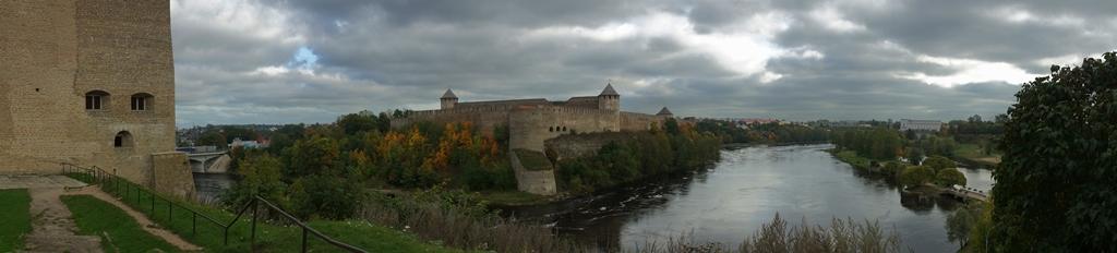Вид на Ивангородскую крепость 1