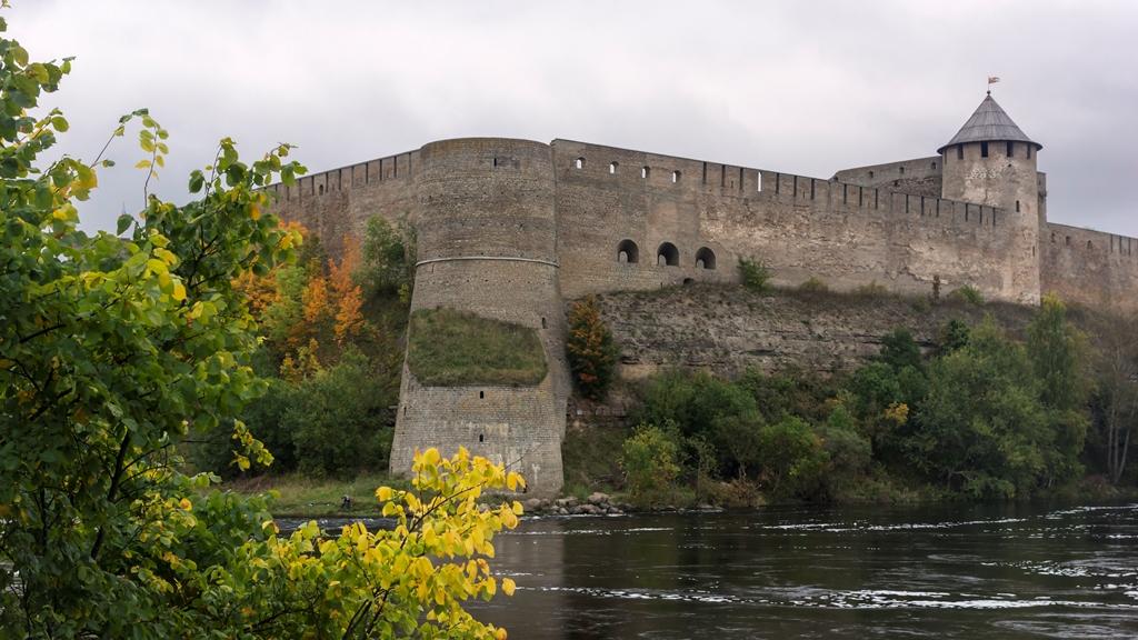 Вид на Ивангородскую крепость 3
