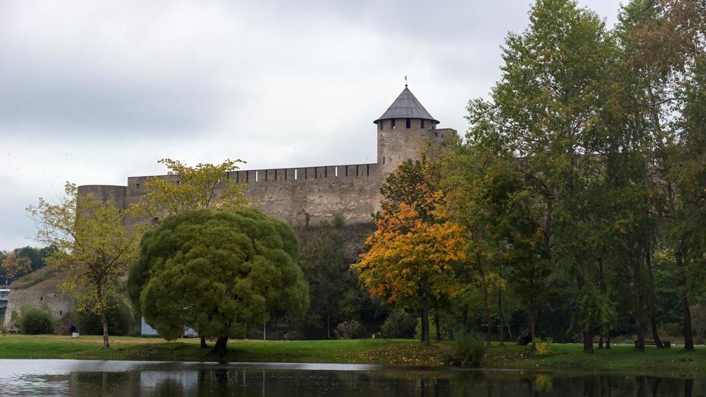 Вид на Ивангородскую крепость 4