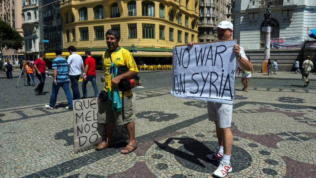 Протест против войны в Сирии