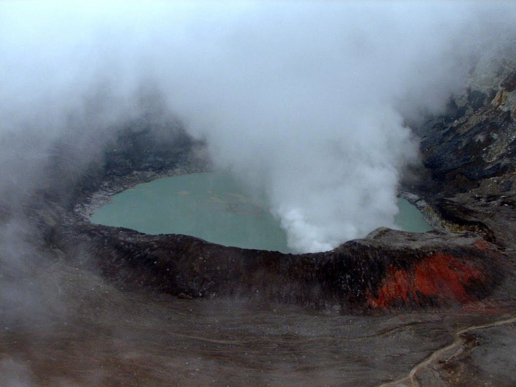Вулкан Поас. Лагуна Кальенте
