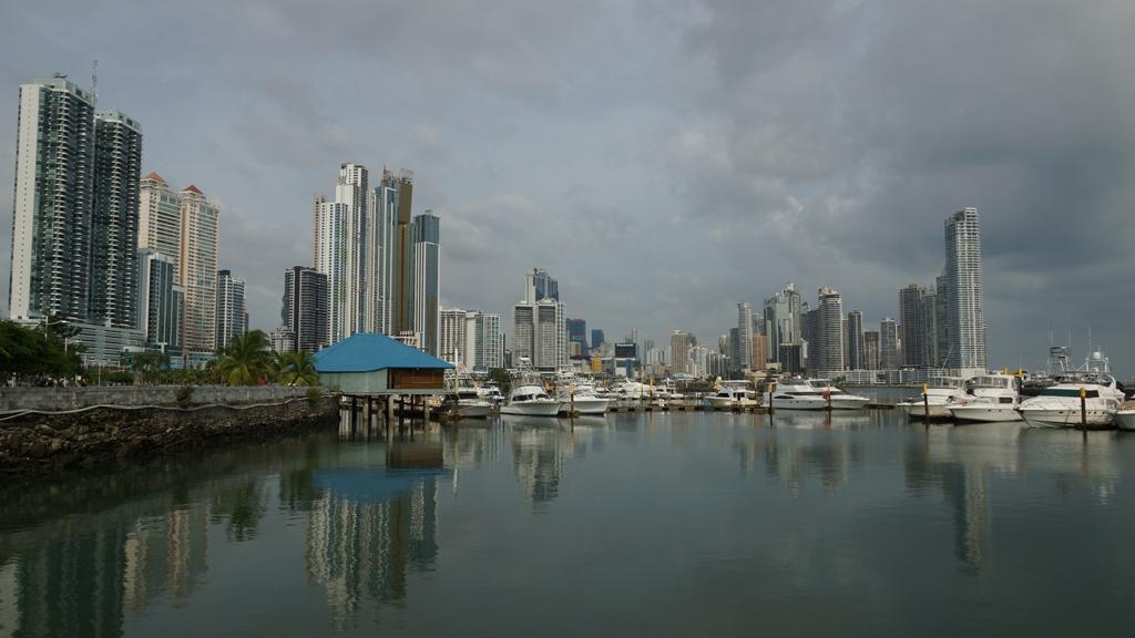 Новый-город-и-его-отражение